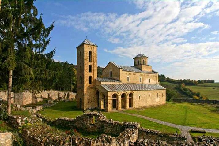 srbija manastiri